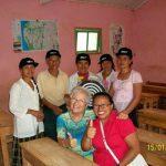 Voilà l'équipe, les institutrice des 4classes ainsi que le Directeur de l'Ecole, notre présidente fondatrice et sa secrétaire!